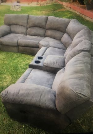 Sectional Couch with 2 Recliners- Quality Condition for Sale in San Jacinto, CA