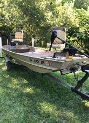 Landau 14' Jon Boat with 9.9 Evinrude motor for Sale in Yorktown, VA