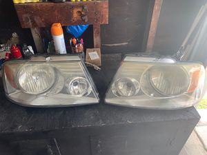 2004-2008 Ford F-150 headlight for Sale in Los Angeles, CA