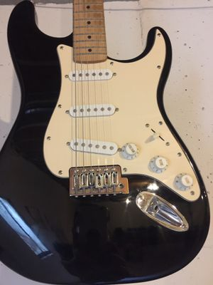 Fender star caster perfect condition comes with the portable baggage and cables for Sale in Yorkville, IL