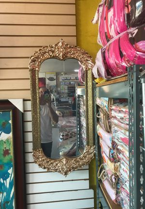 Wall mirror $15 for Sale in Fresno, CA