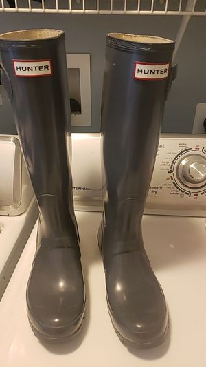 Hunter rain boots sz 7 for Sale in Saint Charles, MD