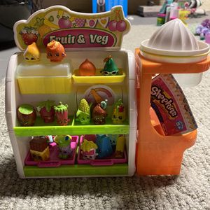 Shopkins Fruit and Veg collection (with bonus shopkins) for Sale in Tabernacle, NJ