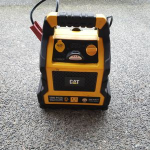 Jump Start With Air Compressor And 110 Volt Power Up To 200 Watts for Sale in Renton, WA
