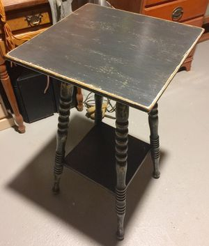 Vintage chalk painted table for Sale in Lynn, MA