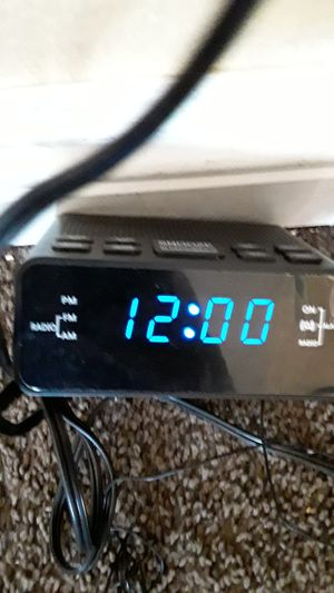 AM/FM Radio alarm clock for Sale in Lancaster, CA