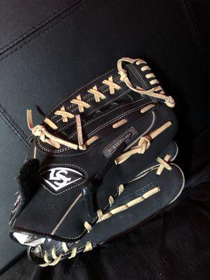 Louisville slugger baseball glove/size 13 for Sale in Modesto, CA