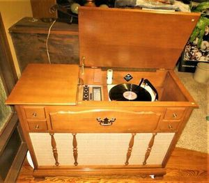 1970 Montgomery Ward Airline Stereophonics for Sale in Lancaster, CA