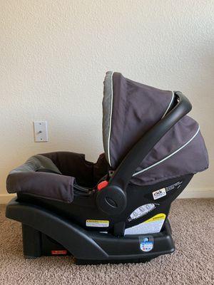 Graco car seat w/base for Sale in Sacramento, CA