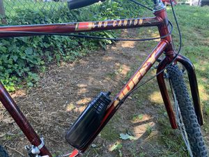 Huffy Mountain Bike W/ water bottle (Perfect Condition) for Sale in Berwyn Heights, MD