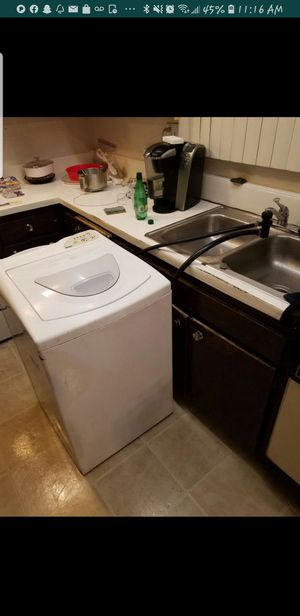 Kenmore apartment size washer on wheels. $50 for Sale in Irwindale, CA