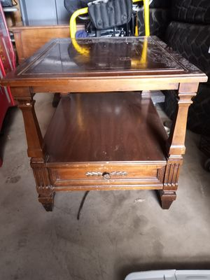 Single drawer end table for Sale in Bakersfield, CA