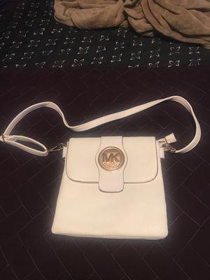 Michael Kors MK bag 💼 habla espanol for Sale in Raleigh, NC
