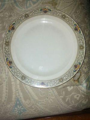 Antique 24K trim Hutschenreuther Bavarian Jaffrey bone china 10 inch dinner plates for Sale in Revere, MA