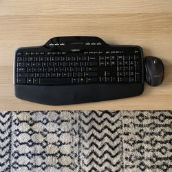 Logitech MK710 Wireless Mouse And Keyboard Combo for Sale in Stevenson Ranch,  CA