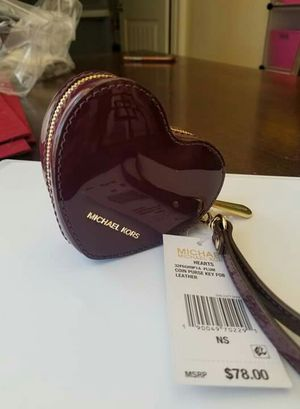 Authentic Michael Kors heart coin purse wallet(new with tags) for Sale in Lincoln Acres, CA