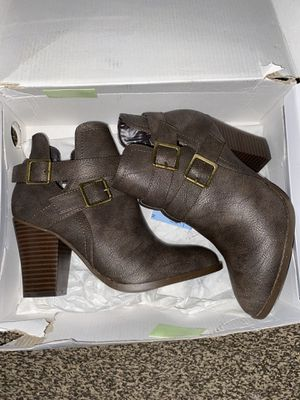 Women's boots for Sale in Fresno, CA