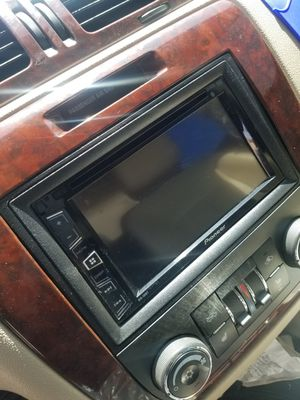 PIONEER DOUBLE DIN , 12' KICKER L5 , AND 1600W PLANET AUDIO for Sale in Odessa, TX