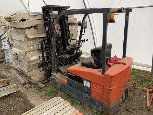 Toyota Electric Warehouse Forklift *New Battery*