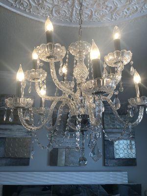 Chandelier chandelier for Sale in Kissimmee, FL