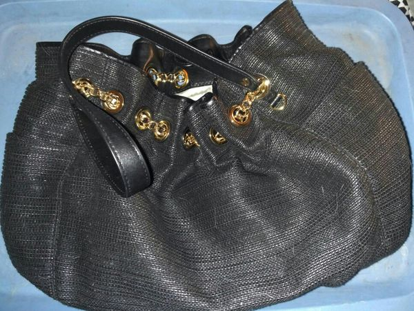 MICHAEL KORS BLACK HOBO BAG