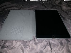 10.5-inch iPad Pro WiFi + Cellular for Sale in Lacey, WA