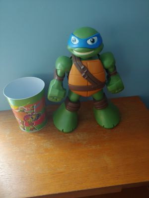 Ninja Turtles and can for Sale in Bolingbrook, IL