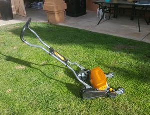 Fiskars Reel Lawn Mower for Sale in Albuquerque, NM