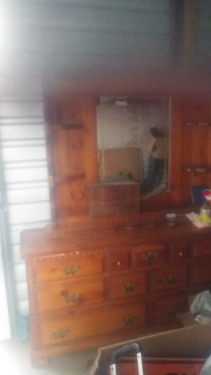 Dresser/mirror Combo for Sale in Ceres, CA