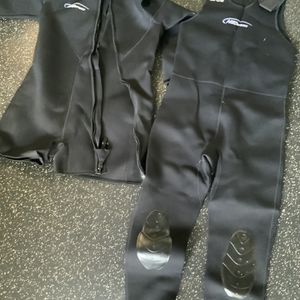 NeoSport Men's Wetsuit Farmer Johns and Walk-In Jacket / 3mm for Sale in Clearwater, FL