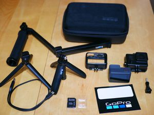GoPro Hero 5 bundle with 2 tripods and mores for Sale in Hawaiian Gardens, CA