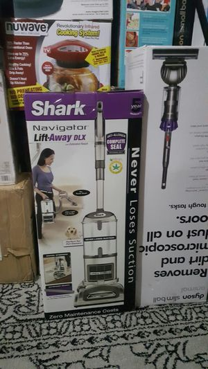 Brand new Shark Navigator Lift-Away DLX Vacuum Cleaner for Sale in Houston, TX