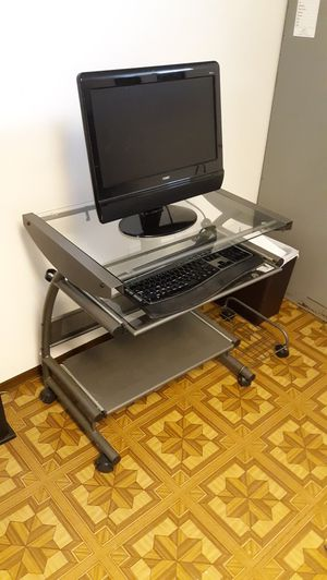 Mobile Computer cart/workstation with wheels! for Sale in UPR MARLBORO, MD