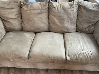 Couch & Love Seat for Sale in Spanaway,  WA