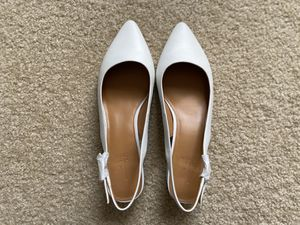 J. Crew Leather slingback block heels (Size 7, White) for Sale in Irvine, CA