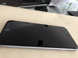 iPhone 6 in good condition for Sale in Miami, FL