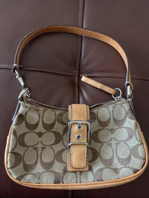 Coach hand bag for Sale in Clarksburg, MD