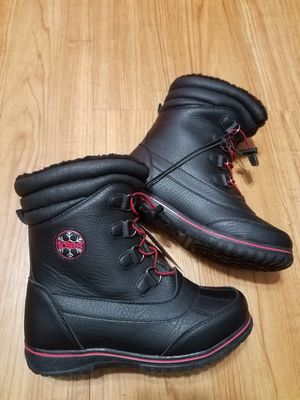 Totes snow boots for kids size 6 for Sale in Arlington Heights, IL