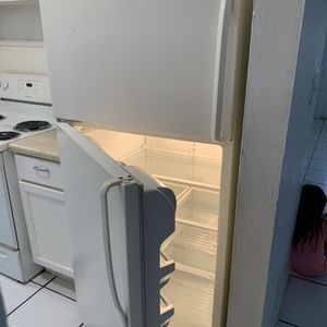 Refrigerator for Sale in Fort Lauderdale, FL