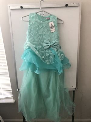 NEW Flowers Girl Dress or Ball gown Size 14 for Sale in Brandywine, MD