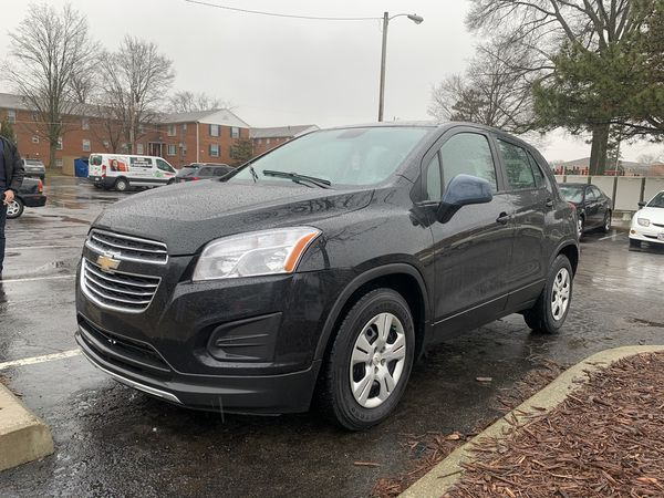 2015 Chevy trax ls low mileage!!!!