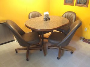 Dining/kitchen table. for Sale in Maysville, NC