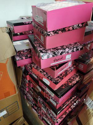 Quipid Women's wholesale shoes pumps boots heels for Sale in Pasadena, CA