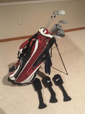 Wilson Golf Clubs Right Handed with bag and driver covers for Sale in Wheaton, IL