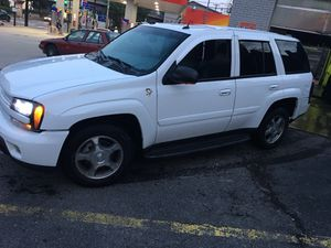 Loaded 05 Chevy Trailblazer 4wd 88k for Sale in Pittsburgh, PA