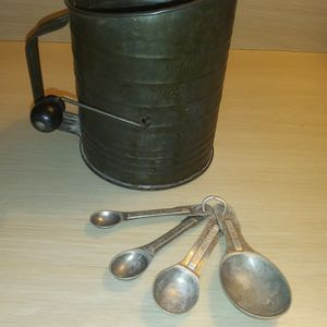 Vintage Sifter for Sale in Everett, WA