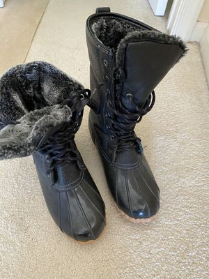 Ladies sports winter/rain boots like new for Sale in Fairfax, VA