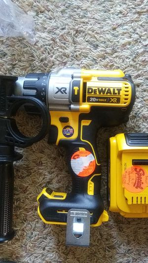 Brand new dewalt xr brushless heavy duty hammer drill and brand new 20 v 4 ah battery for Sale in Decatur, IL