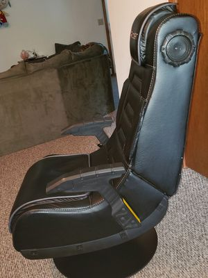 Gaming chair for Sale in Saginaw, MI