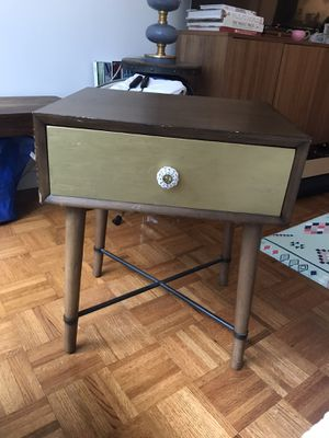Beautiful Modern Side Table for Sale in New York, NY